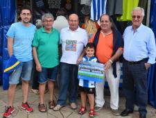 Josep Trias, exalcalde de Blanes amb els socis de la Penya